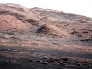 Capas en la base de Monte Sharp (Crédito: NASA)