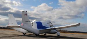The Transition, nave que puede doblar sus alas, le permite volar y operar como un automóvil común. (Crédito: Terrafugia)