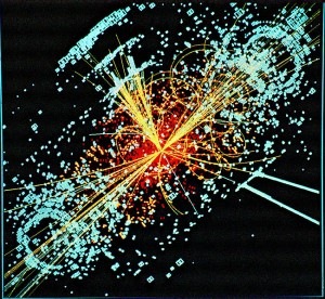 Ejemplo de información simulada modelada para el detector de partículas CMS del Gran Colisionador de Hadrones en el CERN. Aquí, seguido a una colisión de dos protones, un (hipótetico) bosón de Higgs se produce, y decae en dos chorros de hadrones y dos electrones. Las líneas representan las rutas posibles de las partículas generadas por la colisión protón-protón en el detector, mientras la energía de estas partículas se muestra en azul. (Crédito: CERN)